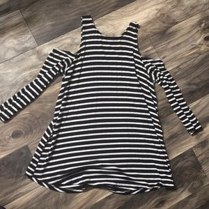 Black and white stripped cut out shoulder top